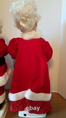 1990 Telco Motionette Santa Claus And Mrs. Claus 24 Motorized Figures in Box