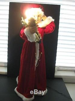 2005 CHRISTMAS 28 MUSICAL MOTIONETTE ANIMATED/LIGHTED MRS CLAUS withADAPTOR