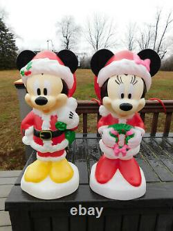 2019 Gemmy Lighted Christmas Blowmold Disney Mickey and Minnie NOS