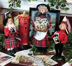 Byers Choice Christmas Card Peddlers With English Mailbox 4-pc Set