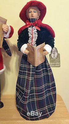 Carolers Santas Workshop Family 4 Christmas Decor Green Red Victorian New