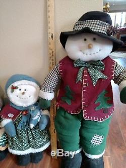 Christmas Around The World Stuft Snowman Family 4 Family Members