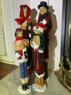 Christmas Caroler Family with Fabric clothing 4 piece Victorian