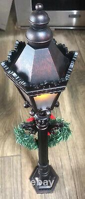 Christmas Carolers Family Figurines And Lighted 27 Lamp Set/4 Large 16-13 EUC