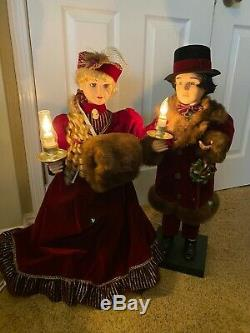 Christmas Motionette ANIMATED VICTORIAN COUPLE