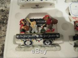 Danbury Mint The New York Yankees Christmas Express Train Set COA New In Box