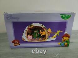 Dept 56 Disney Winnie The Pooh HELP FROM A FRIEND Christmas Scene Decor RARE
