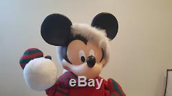 Disney Animated Christmas Holiday Mickey Mouse With Snow Balls