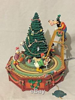 Enesco Disney Christmas Jamboree Mickey Mouse Animated Music Lights Minnie Goofy