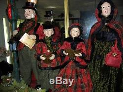 GIANT DELUXE 35 inch 4 piece CAROLER SET MUSICAL LIGHTED LANTERN CHRISTMAS RARE