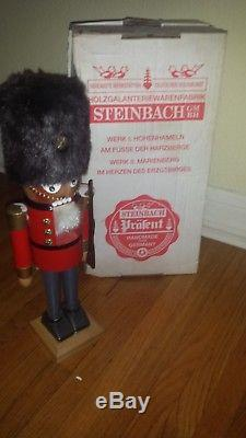 German Steinback Nutcracker English Guard S711