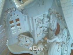 Grandeur Noel 2003 Collector's Edition White Porcelain with Hand Painted Gold Fi