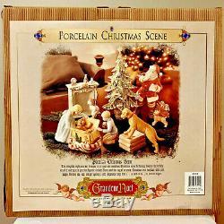 Grandeur Noel Porcelain Collector's Edition Christmas Scene 9 Piece Set 2001