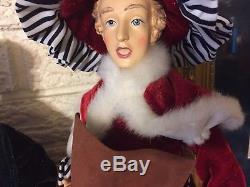 Have a Merry Chrismas with a Beautifully clothed Christmas CAROLER Set RAZ 18