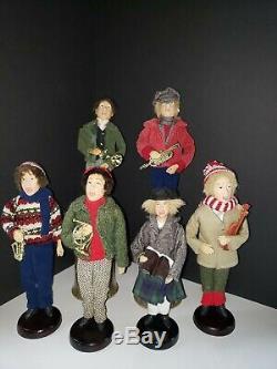 Holiday Christmas Carolers 6 Figurines 4 Men & 2 Women VINTAGE
