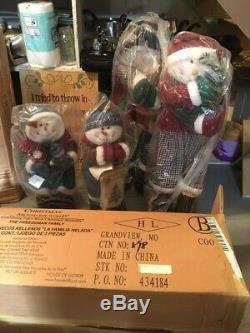 House of Lloyds, Christmas around the world, Freezeman Family