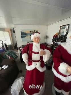 Life Size Santa & Mrs Claus 5 Foot Animated Singing and Dancing Claus Christmas