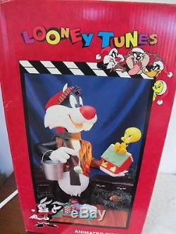 Looney Tunes Animated Christmas Display Sylvester Tweety Bird Matrix Vintage