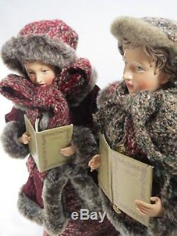 Lrg 18.5 Victorian Christmas Carolers Mother Father Son Daughter 4 Family Set