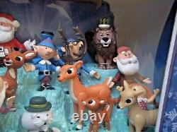 MEMORY LANE FIGURINE SET of 24 Plastic Figures Misfit Toy Rudolph PLAYING MANTIS