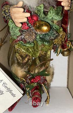 Mark Roberts Northwoods Elf, Small #51-82114. With Stand