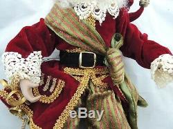 Mark Roberts Santa Fairy 17 Holding Chain with Rings