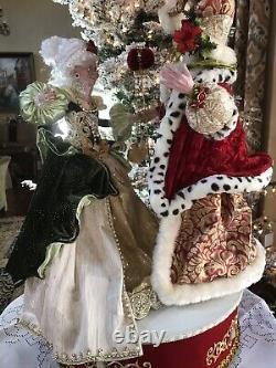 Mark Roberts Santa & Mrs. Claus On Turntable