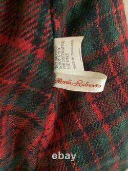 Mark Roberts Vintage Carolers, Large Set Of 2 Male & Female Christmas Decor
