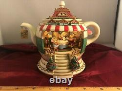 RARE NEW Enesco Style CUTEY Christmas Lighted Moving Mice Family Music Box VIDEO
