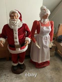 Rare GEMMY Life Size 5ft Christmas Animated Singing Dancing Santa Claus And Mrs