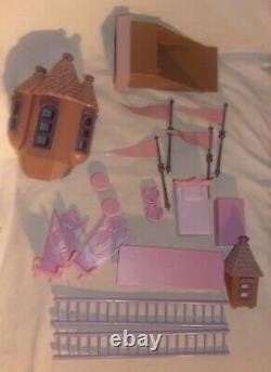Rudolph And The Island Of Misfit Toys Santas Castle Looks Complete Please Read