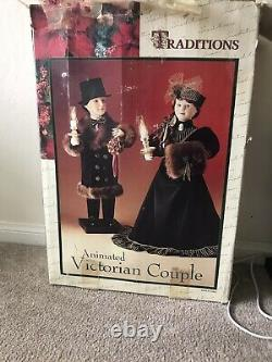 Traditions Christmas Motionette ANIMATED VICTORIAN COUPLE26