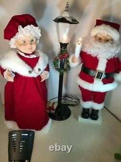 Trim at Home Vintage Animated Mr & Mrs Claus With Light Post in Original Box