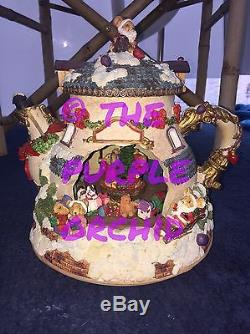 VIDEO! Moving Musical Light Up Christmas Teapot music box mouse mice figurine