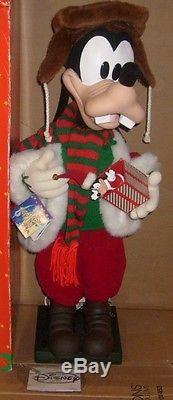 Vintage Disney 1994 It's A Small World Holiday Goofy Animated Figure RARE