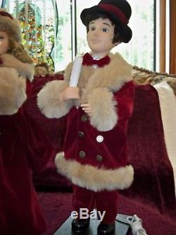 Vtg. Telco Motionette Victorian Christmas Couple Animated Lighted 27